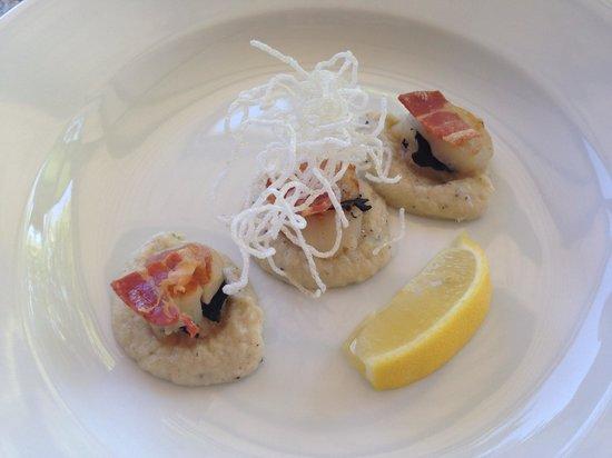 The Truffle & Wine Co: Truffle infused scallops
