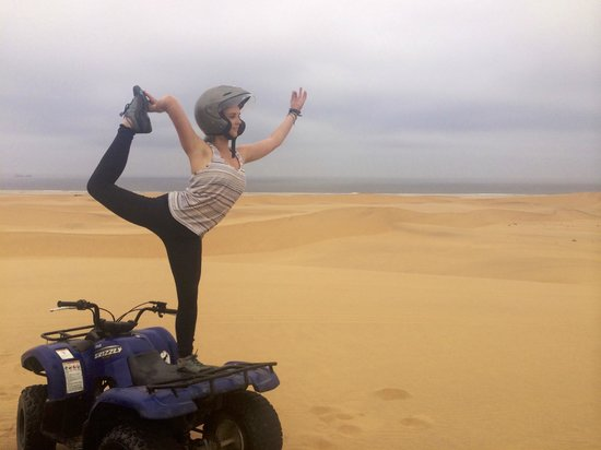 Swakopmund, Namibya: Yoga on Quad Bikes!