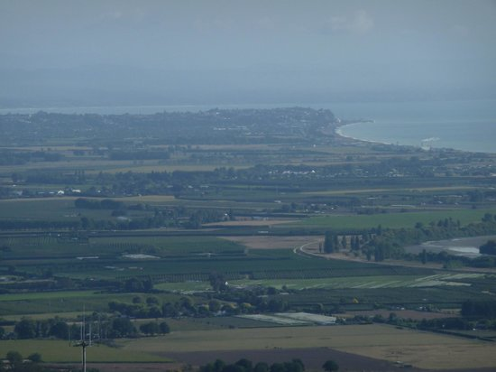 Te Mata Peak: View towards Napier