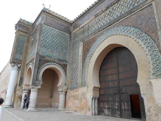 Bab Mansour Gate: マンスール門