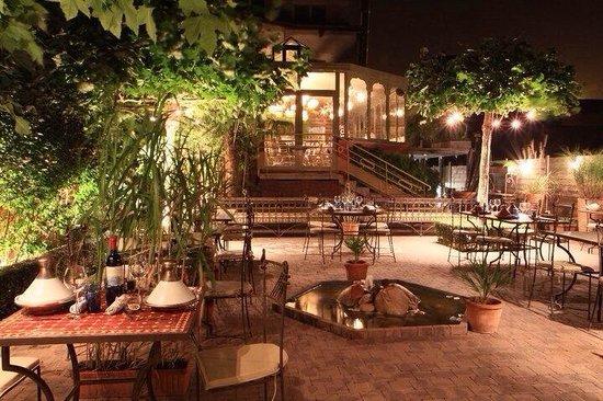 L 39 entr e photo de villa nagara luingne tripadvisor for Restaurant le jardin vias