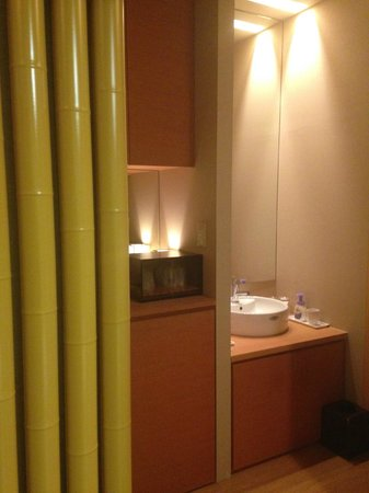Matsunoya Kasen : シンプルで清潔感のある洗面