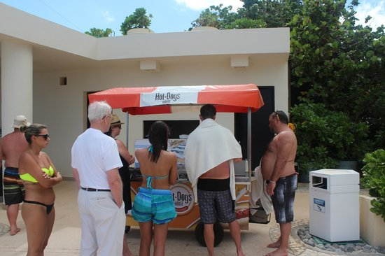 Hot Dog And Hambuger Stand Picture Of Live Aqua Beach Resort Cancun Cancun Tripadvisor
