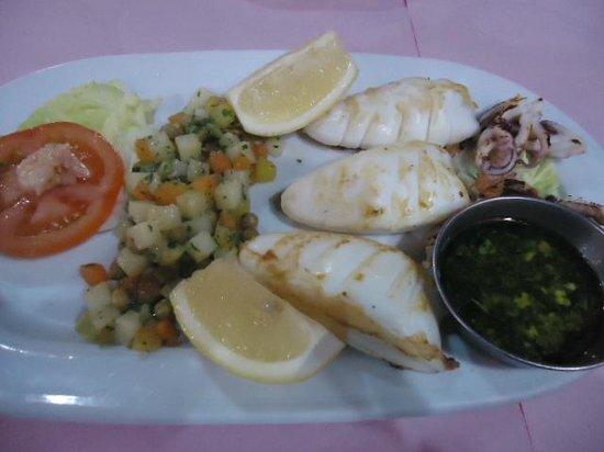 Restaurant du Port de Peche: Grilled squid, very good!
