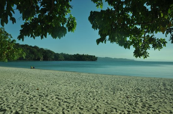 Dakak Park & Beach Resort: Dakak Beach early afternoon