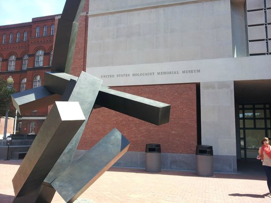 United States Holocaust Memorial Museum : USHMM
