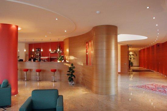 Luna Hotel Motel Airport: BAR RECEPTION