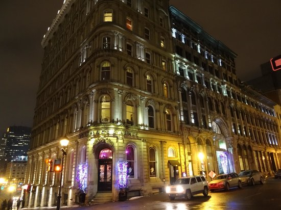 night view picture of le place d 39 armes hotel suites montreal tripadvisor. Black Bedroom Furniture Sets. Home Design Ideas