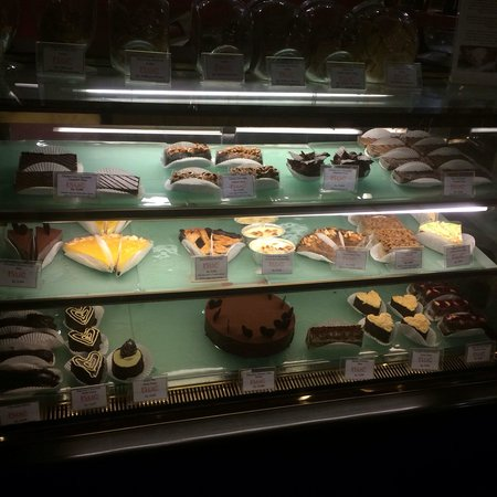 Kue Bakery and Cafe: ケーキ