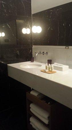 Alma Barcelona: Washroom