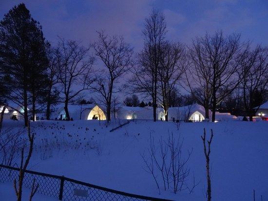 Hotel de Glace: Night view