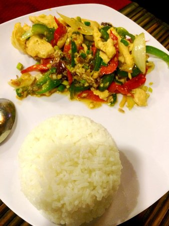 Nina's Cafe : chicken with lemongrass & chili