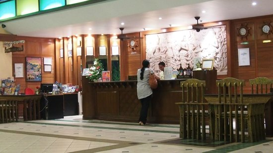 Karon Sea Sands Resort & Spa: lobby