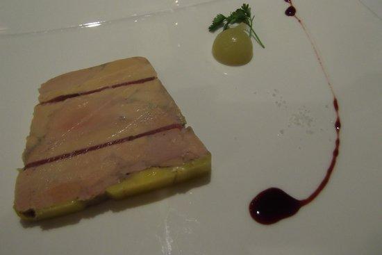 Hotel Restaurant Spa Verte Vallee : foie gras de canard au magret, pomme verte et réduction porto (gastro)