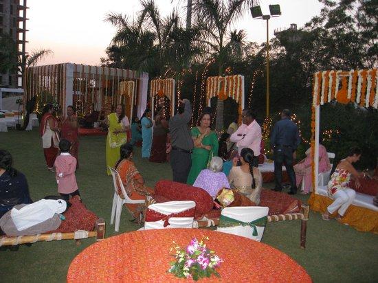 Seasons Hotel  - Rajkot: Decoration - Sangeet night & Mehndi night