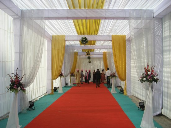 Seasons Hotel  - Rajkot: Bridegroom/Baraat Entrance - Wedding Day - Hotel Grounds