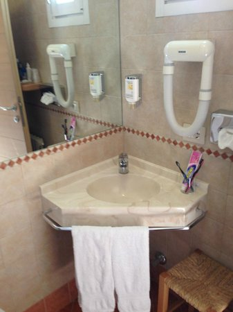 Hotel Alu: Bathroom