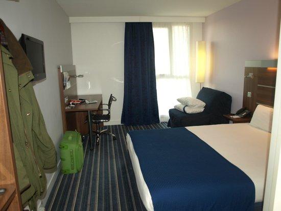 Holiday Inn Express Marseille-Saint Charles: My bedroom