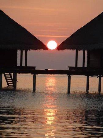 Adaaran Club Rannalhi: Sonnenuntergang *_*