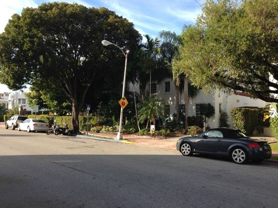 Sobe You Bed and Breakfast : La villa vue depuis la l'avenue Jefferson