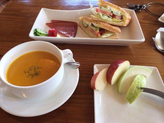 Salzburg B&B: 早餐