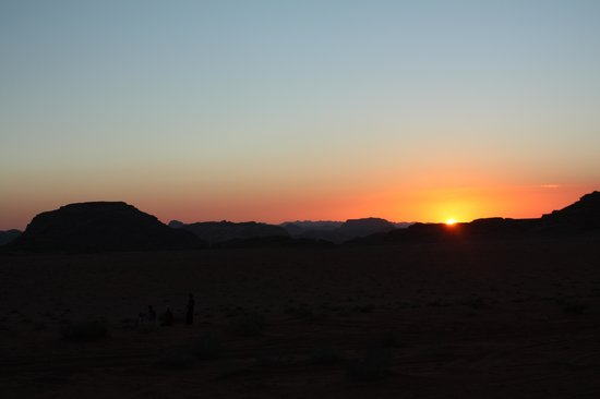 Wadi Rum Candles Camp: Sunset on the camp