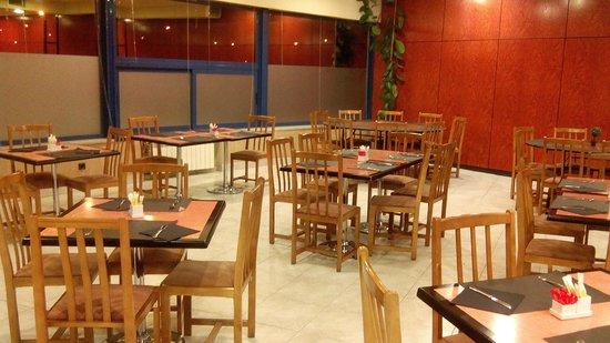 SHS Hotel Aeropuerto: local del desayuno