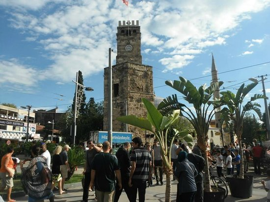 Dogan Hotel: Uhrturm