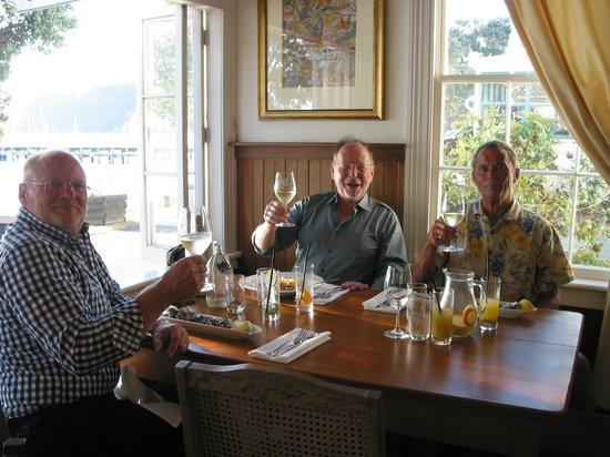 The Gables Restaurant : Cheerful enjoyment