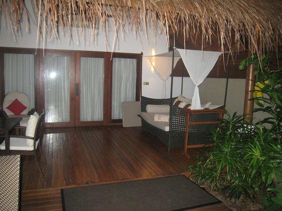 Baros Maldives: バロスレジデンスのテラス