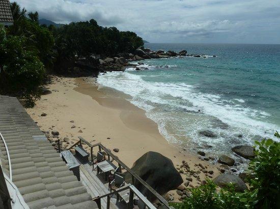 Bliss Hotel Seychelles : Vue depuis l'espace à manger
