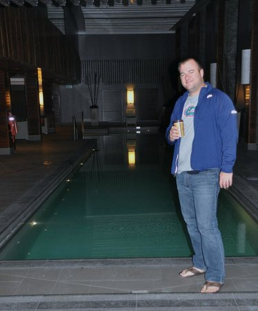 Hilton Queenstown Resort & Spa : inside pool