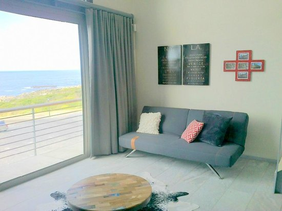 Harbour Road Self Catering Apartments : Every apartment is stylishly furnished with stunning views