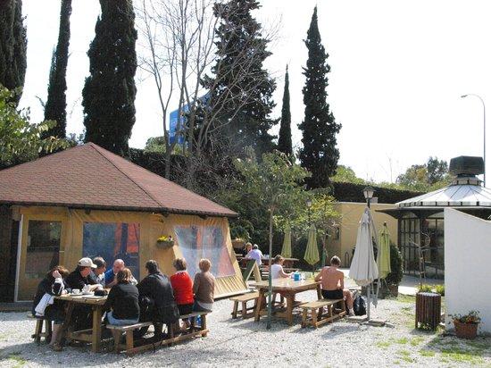 Cafetería Jardín Botánico La Concepción: Vista de la cafetería