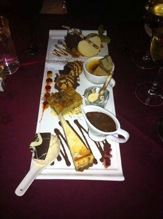 Mirabelle Restaurant: Platter of desserts mmm!