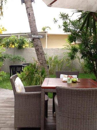 Esprit-Libre Restaurant & Guest-House: terrasse