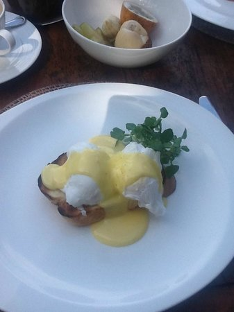 Alila Ubud: eggs benedict perfection