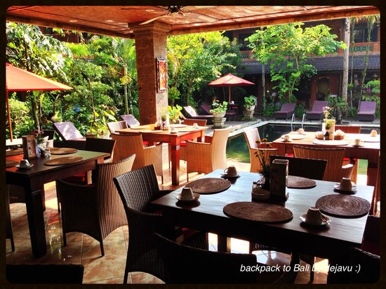 Puri Garden Hotel & Restaurant : Dining room/ Restaurant (Breakfast here)