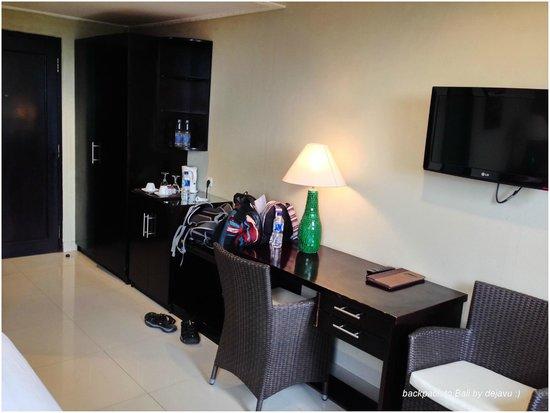 Puri Garden Hotel & Restaurant : In The Room / Facilities