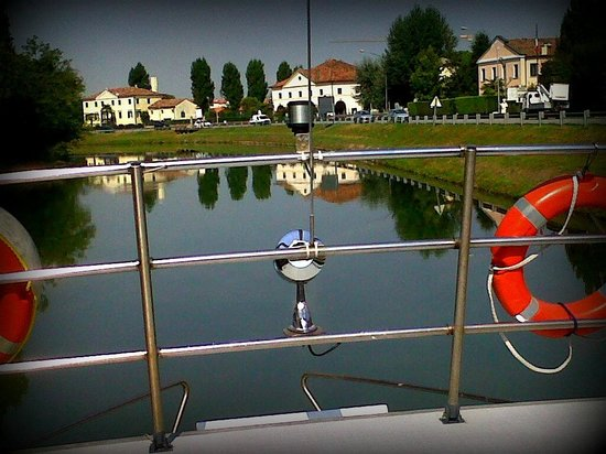 Dolo Italy  city pictures gallery : Dolo, Italy: The River Brenta: boat view
