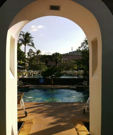 Bandara Resort & Spa : Von Strand zum Pool