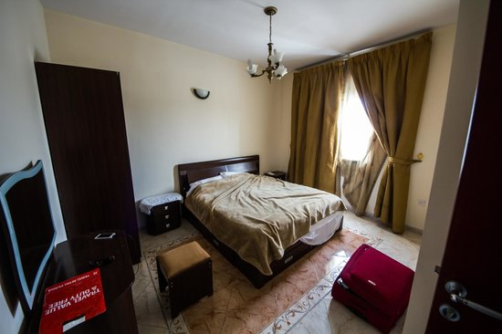 Safari Hotel Apartments: Double room in 2 bedrooms apartment