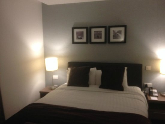 Staybridge Suites Birmingham: A very comfy bed
