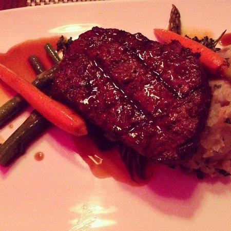 Prestons Restaurant + Lounge: 7oz Cab Sirloin