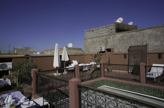 Riad Alnadine: On the Roof