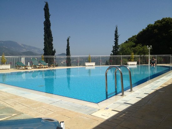 Lefteris Village: Pool area