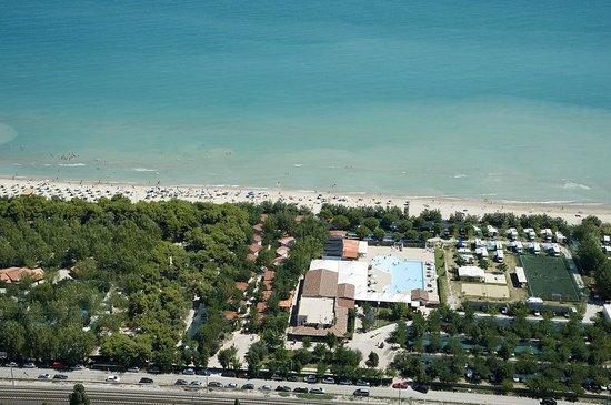 Pineto Beach Camping & Village: VEDUTA AEREA
