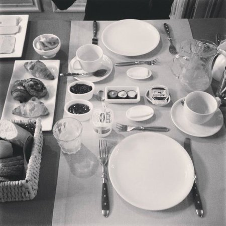Number 11 Exclusive Guesthouse: Breakfast... Fresh and delicious