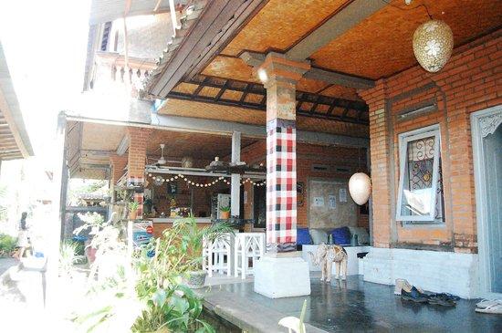 In Da Lodge: Reception/ bar counter