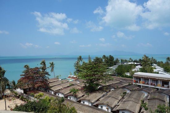 Escape Beach Resort : Looking at the resort from the STEEP access road